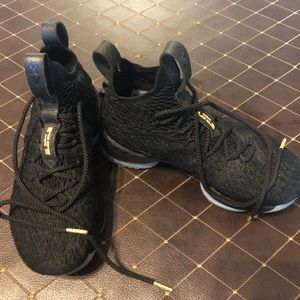 Excellent condition Nike Lebron size 6